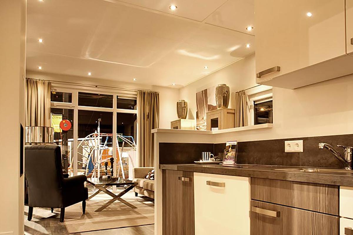 6. Miami Mobilheim mit Standard Wohnküche