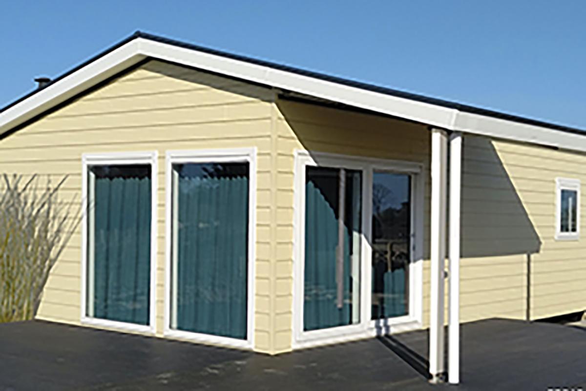 1. Charleston Mobilheim im hellen geld mit Terrasse und Klappdach